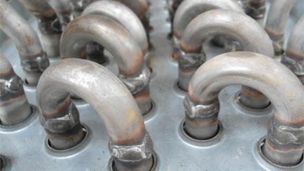 传统人工焊接