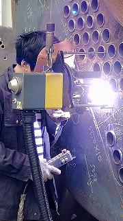全位置自动管板焊机应用在苏州容器厂  咨询电话:18918961606